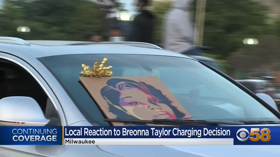 Milwaukee protesters march on I-94 following decision in Breonna Taylor case